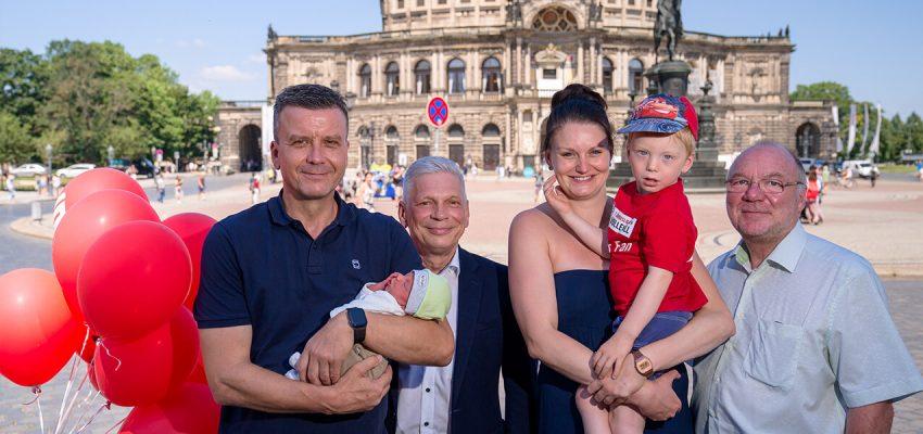 CANALETTO – Das Dresdner Stadtfest vom 16. bis 18. August 2019 - Pressemitteilung - Kinderwagen statt Volleyball – DSC-Trainer Alexander Waibl wird Schirmherr der Sparkassen-BABYPARADE